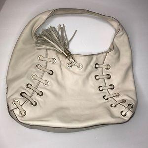 Michael Kohl's shoulder rope bag color cream